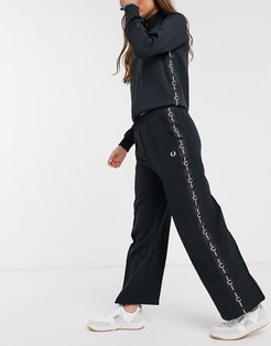 taped wide leg pant in black