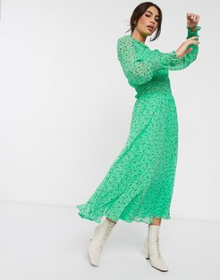 silana georgette floral maxi dress in fleurs ditsy-Green