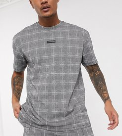 Tall check t-shirt with small badge logo in gray