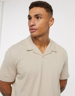 Premium polo with texture in beige