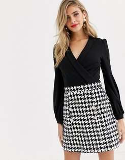 2 in 1 keyhole front aline dress in black houndstooth-Multi