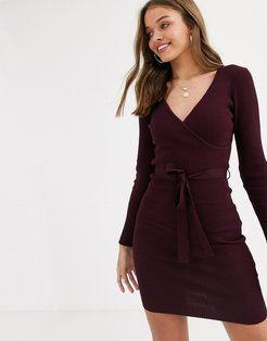 knitted dress with tie waist in burgundy-Red