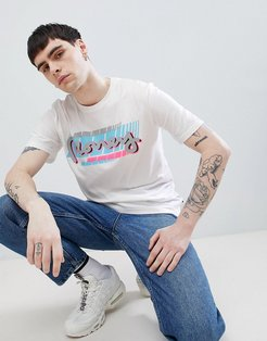t-shirt in white with back print