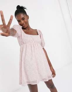 x Hello Kitty mini smock dress with puff sleeves in all over print-Pink