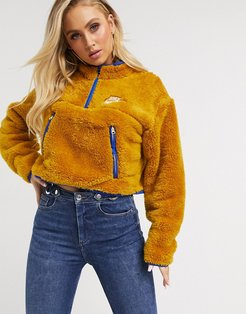 gold Fleece With Contrast Navy Tipping