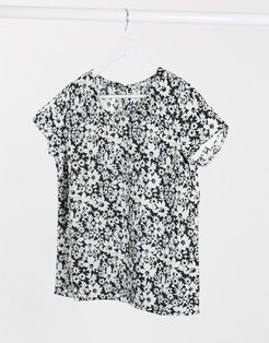 Ophelia short sleeve blouse in white