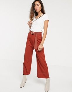 wide leg pants with contrast stitching in rust-Red