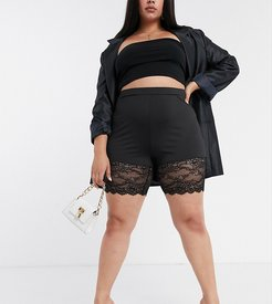 lace trim bodycon shorts in black