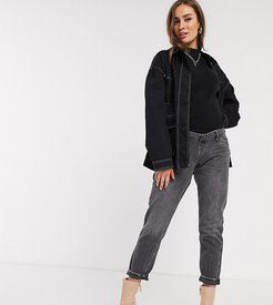 overbump mom jeans in washed black