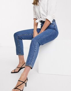 mom jeans with high waist in medium blue