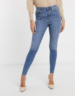 skinny jean with high waist in light blue