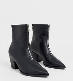 Exclusive Hua black zip front boots