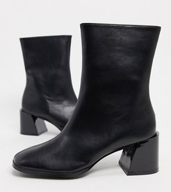 Exclusive Nat vegan square toe ankle boots in black