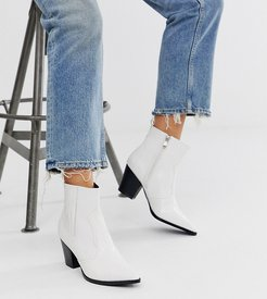 Exclusive Tuma white croc western boots