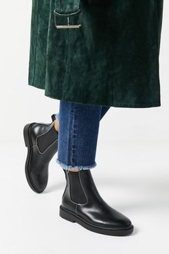 UO Quinn Chelsea Boot - Black 6 at Urban Outfitters