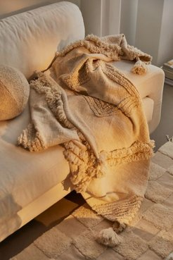 Aden Tufted Throw Blanket - White at Urban Outfitters