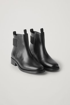 LEATHER RIBBED DETAIL CHELSEA BOOTS