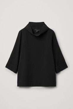 RECYCLED POLYESTER FUNNEL NECK TOP