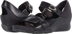 Epoch (Black Mustang Leather) Women's Shoes