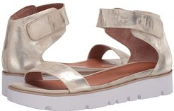 Lavern Easy Strap (Ice Metallic Leather) Women's Shoes