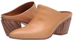Kirsten by Sarto (Camel) Women's Shoes
