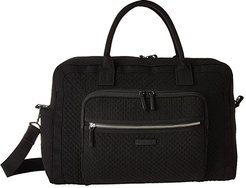 Iconic Weekender Travel Bag (Classic Black) Weekender/Overnight Luggage