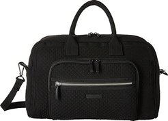 Iconic Compact Weekender Travel Bag (Classic Black) Weekender/Overnight Luggage