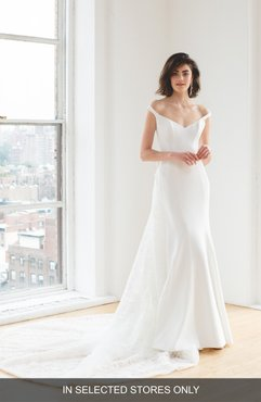 Maaike Off The Shoulder Wedding Dress