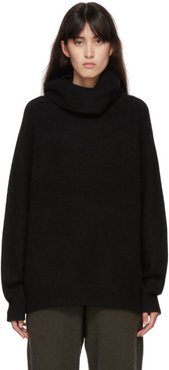 Black Cashmere Boyfriend Turtleneck
