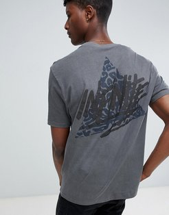 relaxed t-shirt with infinite back print with heavy wash - Gray