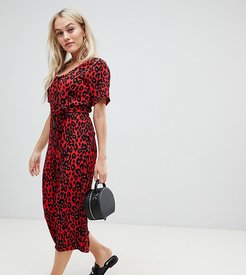 belted jumpsuit in red pattern - Red
