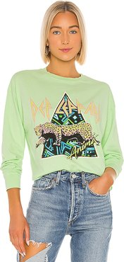 Def Leppard Crop Tee in Green. - size M (also in S,L)