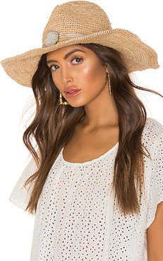Kelli Hat in Tan.