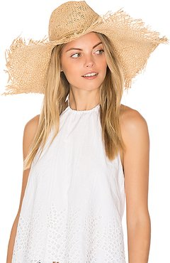 Harper Hat in Cream.