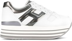 side logo trainers - White