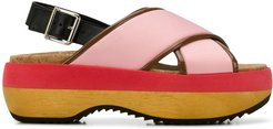 criss-cross wedge sandals - PINK