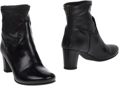 COLLECTION PRIVEE? Ankle boots