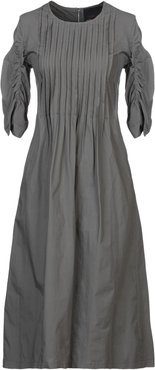 COLLECTION PRIVEE? Knee-length dresses