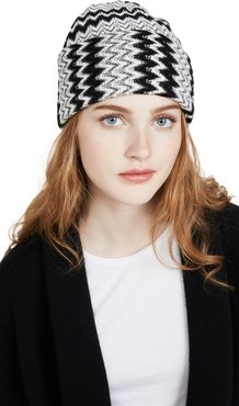 Black and White Zigzag Beanie