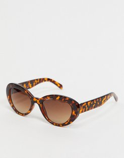 round sunglasses in tort-Brown