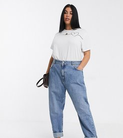 ASOS DESIGN Curve High rise 'slouchy' mom jeans in mid vintage wash-Blue