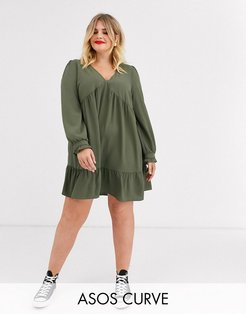 ASOS DESIGN Curve v neck mini smock dress with pep hem-Green