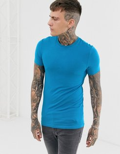 organic muscle fit t-shirt with crew neck in blue