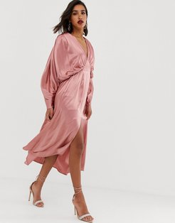 ruched batwing midi dress in satin-Pink