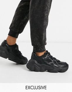 chunky sneaker in black