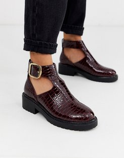cut out flat chunky ankle boots in burgundy croc-Red