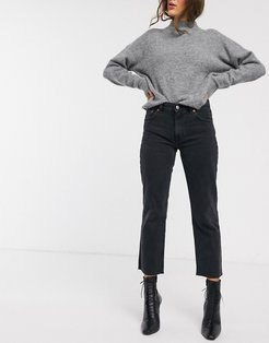 cropped straight leg jean in washed black-Gray