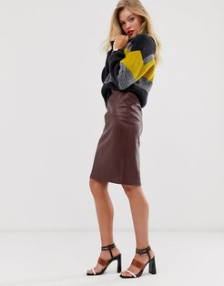faux leather pencil skirt in brown-Red