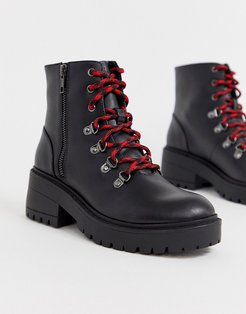 7eye Luggy boot in black leather