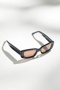 Preston Solid Sunglasses - Black at Urban Outfitters